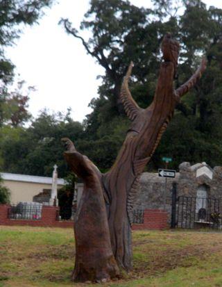 LiveOakSculptureTight