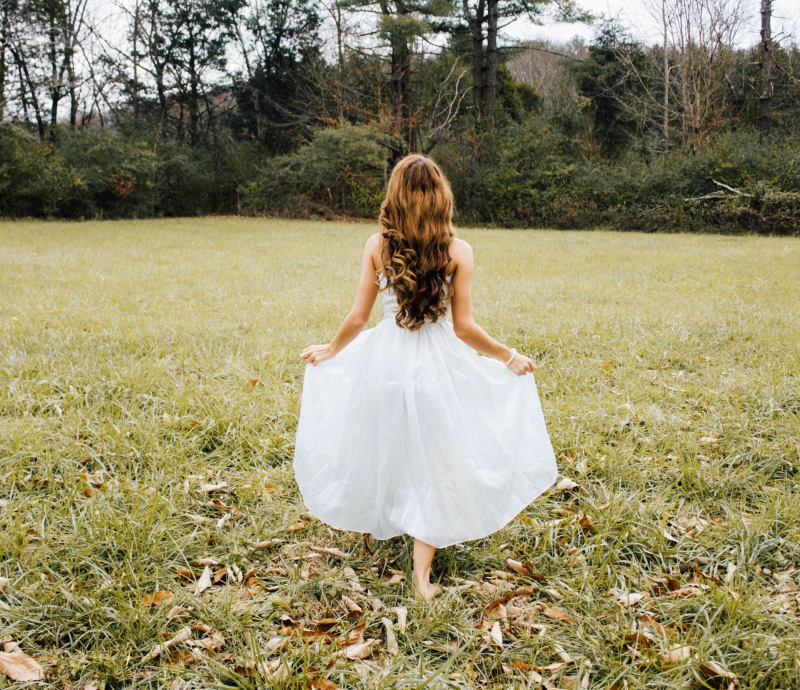 Girl in white cropped by Unsplash (1)